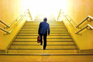 退職代行の利用の流れは?すぐ辞めたい人は事前準備を要チェック